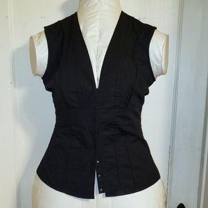 Moda Black snap front sleeveless blouse Small